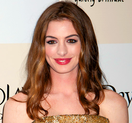 Anne Hathaway One Day: Get Anne Hathaway's Soft Romantic Tresses