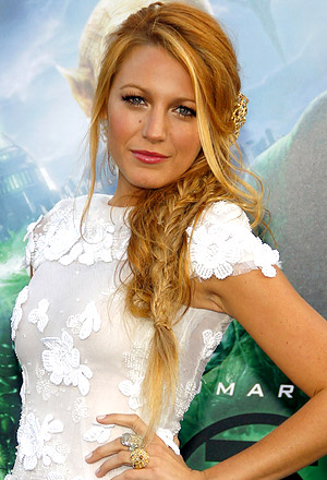 Blake Lively's accessorized bedhead braids