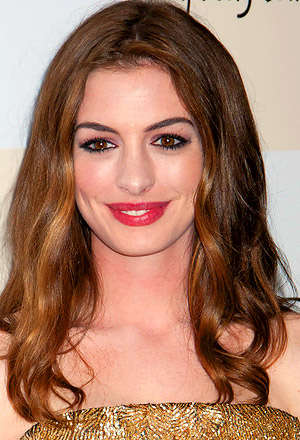 Anne Hathaway's soft romantic tresses