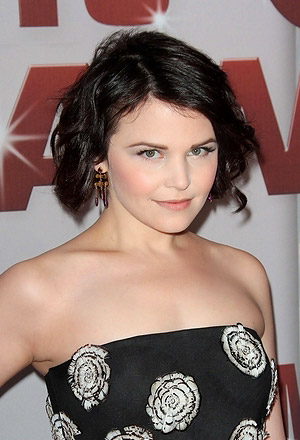 Ginnifer Goodwin's texturized wavy bob