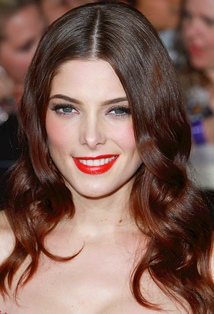 Ashley Greene's glossy waves with center part